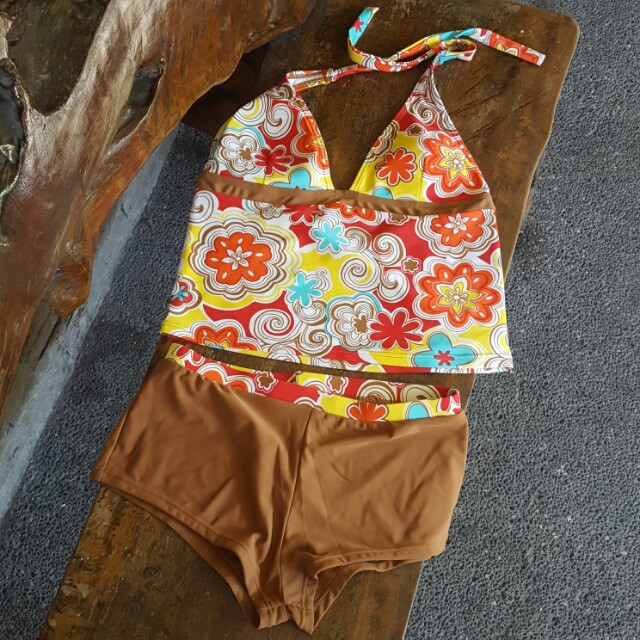 BNWOT Sassa Tankini and swim shorts (XL)