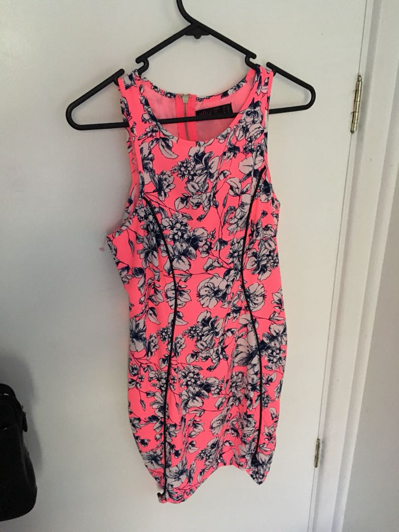 Bodycon Pink floral dress