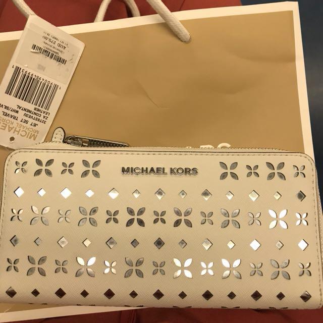 Brand New Authentic Michael Kors Wallet