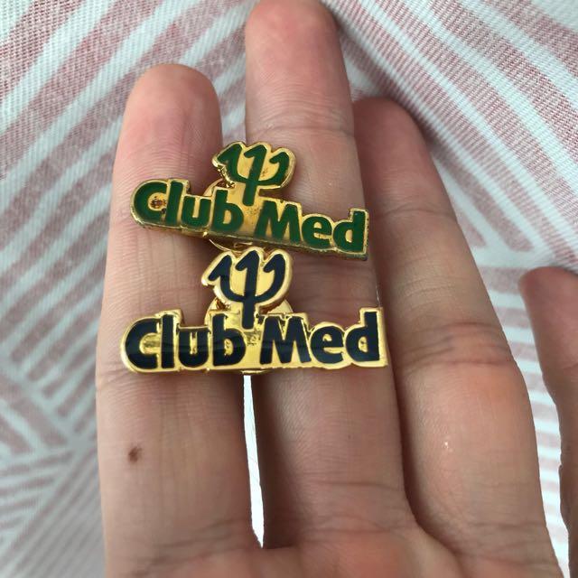 Club med gold pin