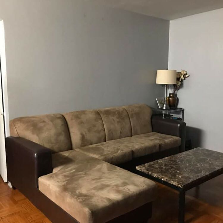Couch / table / lamp and metal stand