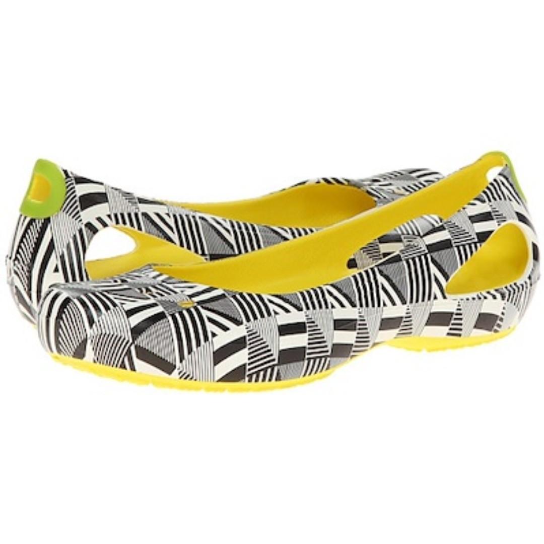 7b17abe0deed Crocs Kadee Mondo Geo Flat Burst Shoes Size W6