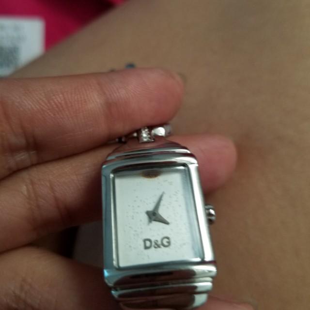 D&g auth watch