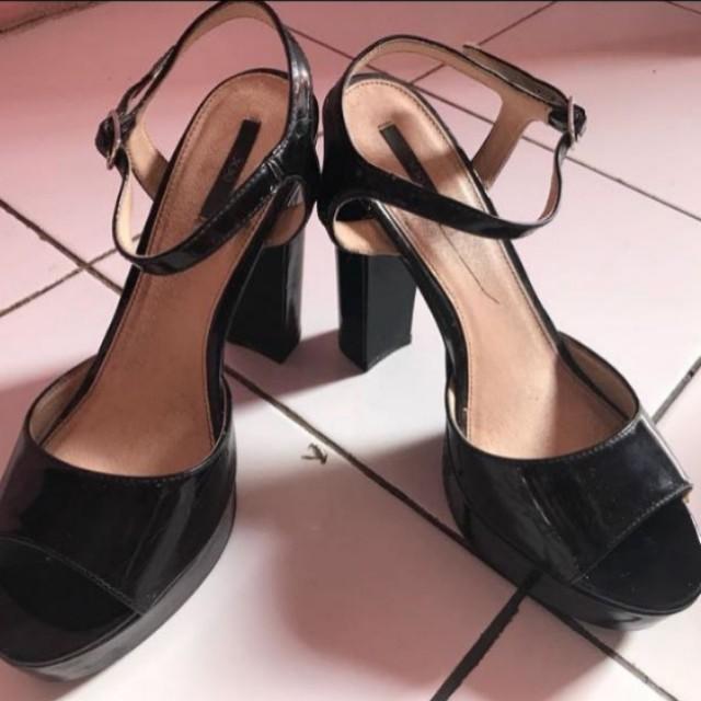 Forever21 pump heels black