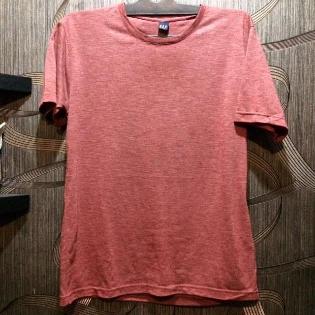 GAP Tshirt in light burgundy