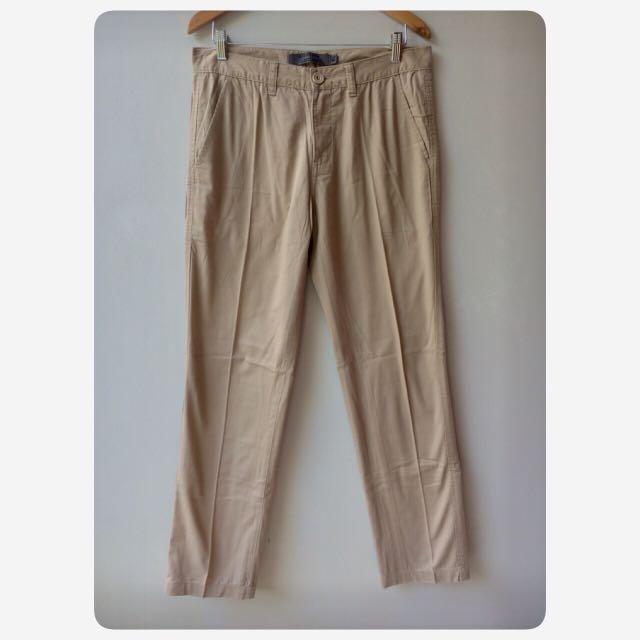 GIORDANO khakis low rise slim tapered celana panjang pria