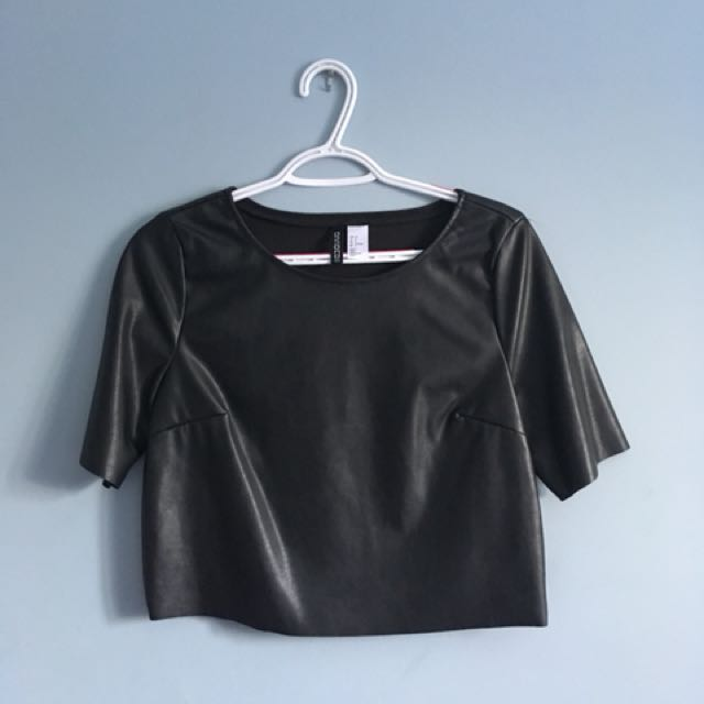 H&M Boxy Cropped Leather Short Sleeve (6, Small)