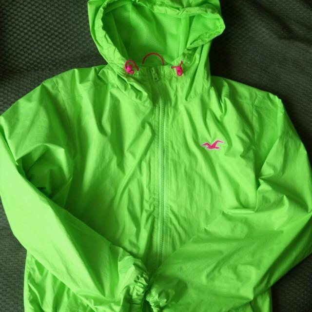 Hollister 螢光綠防風外套