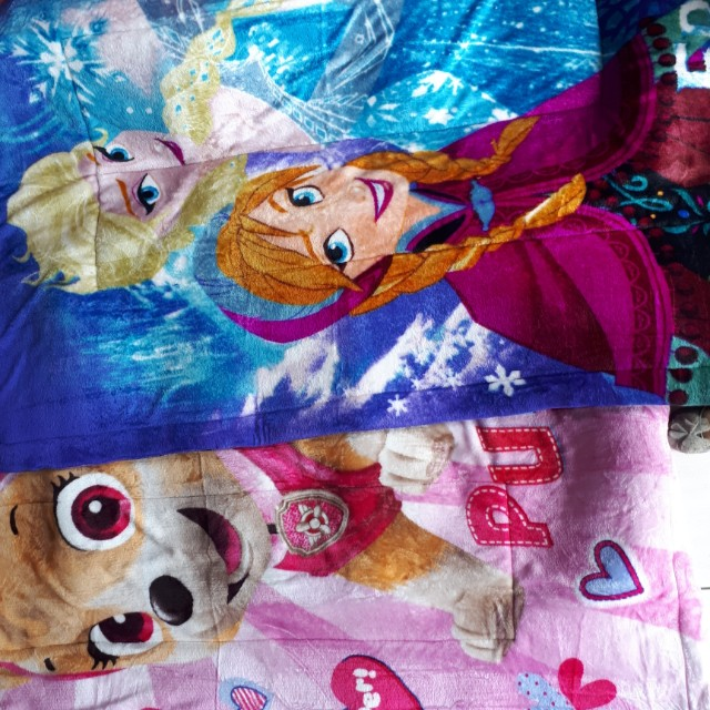Karpet bulu karakter anak