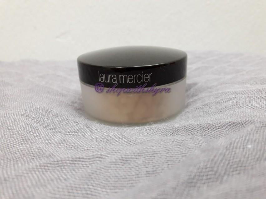 Laura Mercier Mineral Illuminating Powder in Candlelight (travel size).