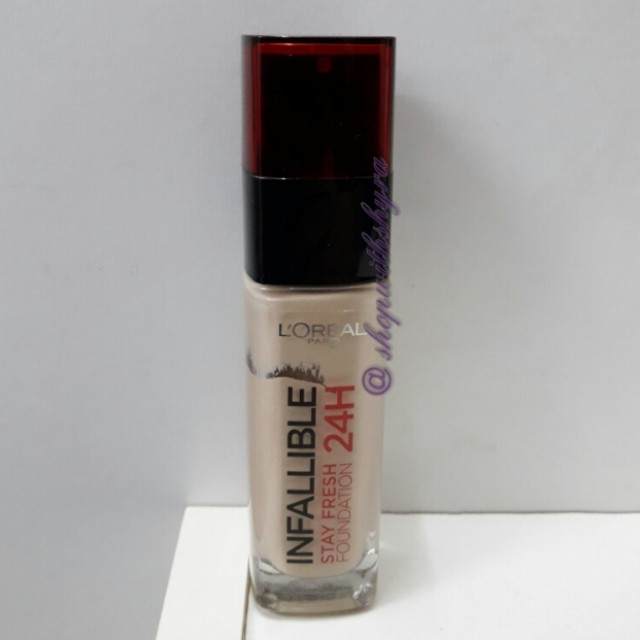 Loreal Infallible Stay Fresh 24H Foundation in 130 True Beige.