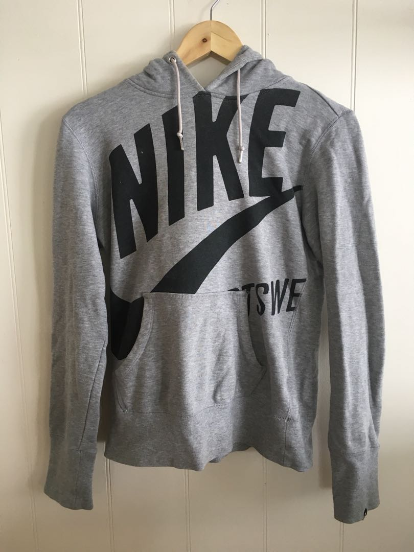Nike pullover hoodie size S