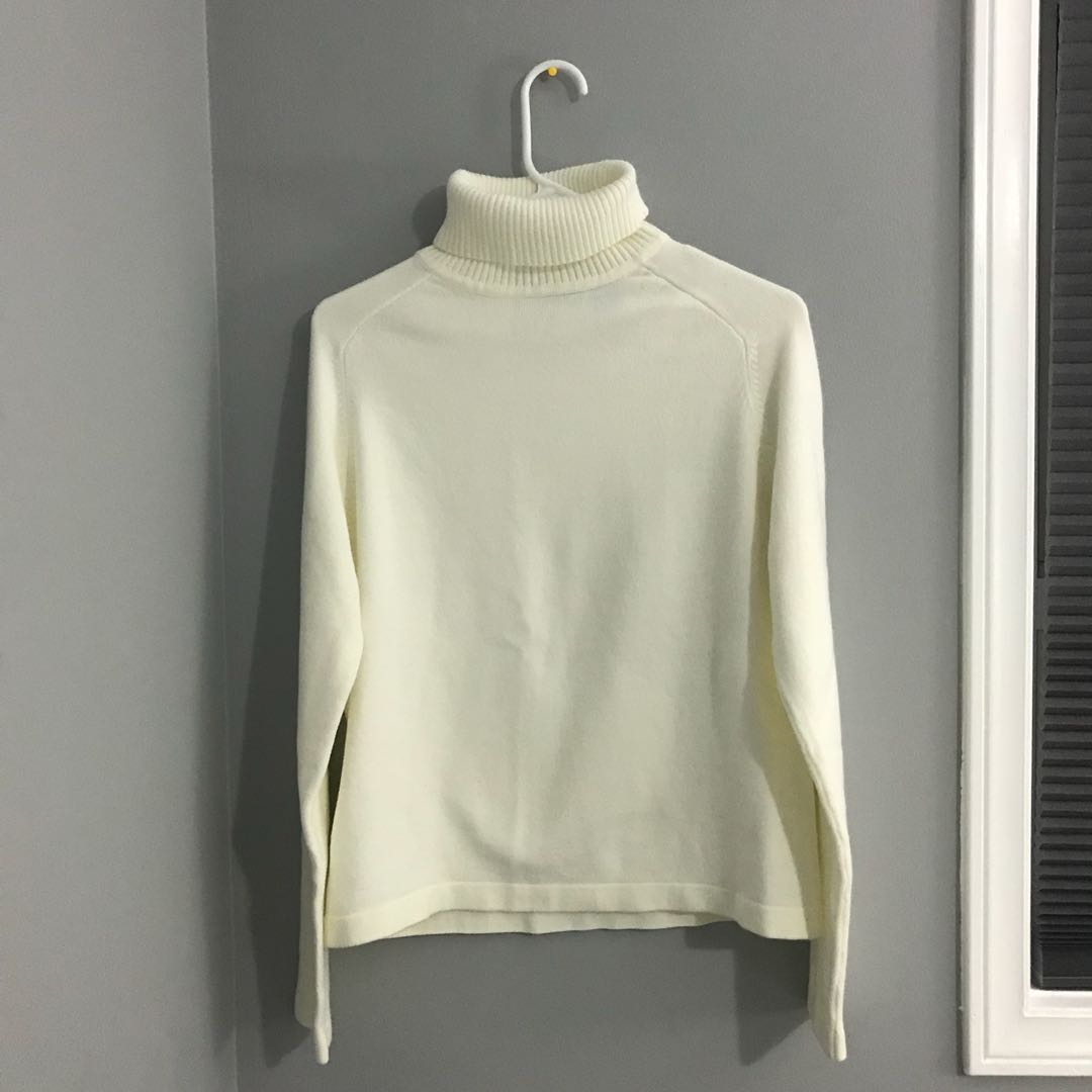 Off white Fitted Turtle Neck Ribbed Sweater