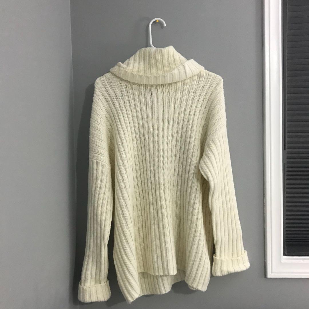 Off white Oversized Ribbed Turtle Neck Sweater