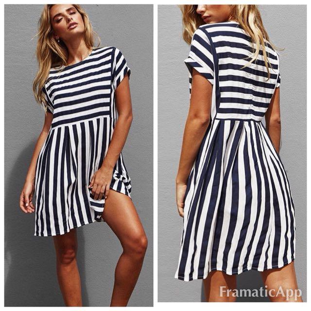 🌻Popcherry Size M(10) Navy Stripe Dress
