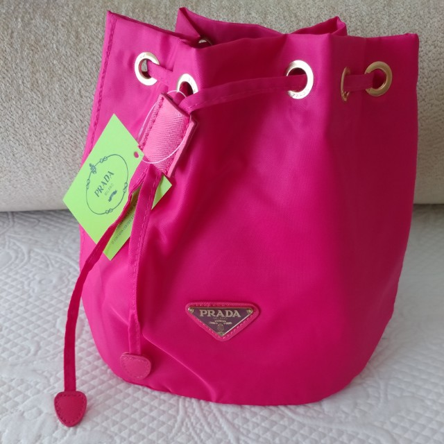 Make up Pouch prada new authentic