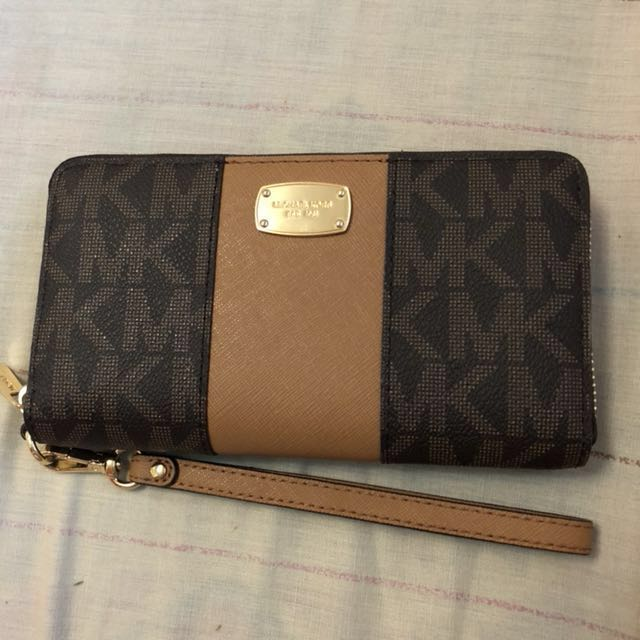 REPRICED - Authentic Michael Kors long wallet large