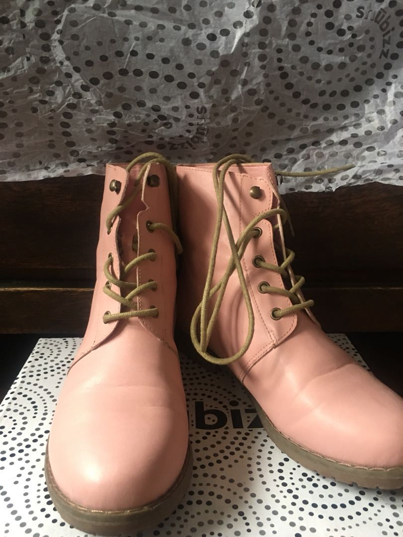 REPRICED ! Pink leather boots
