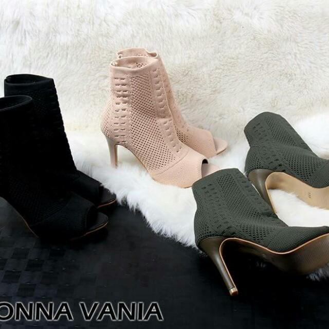 Sepatu Monna Vania Boot 135