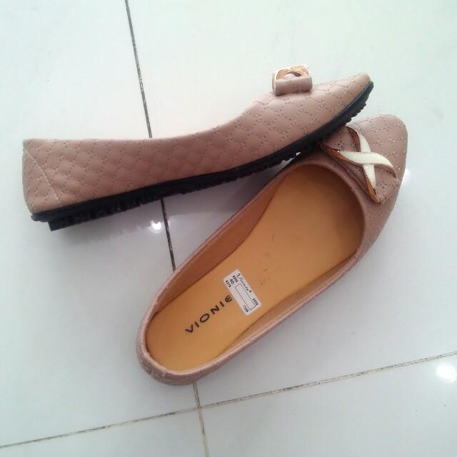 Sepatu vionie
