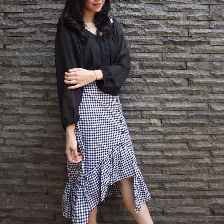 Set Black Skirt Atasan Bawahan Ruffle Rok