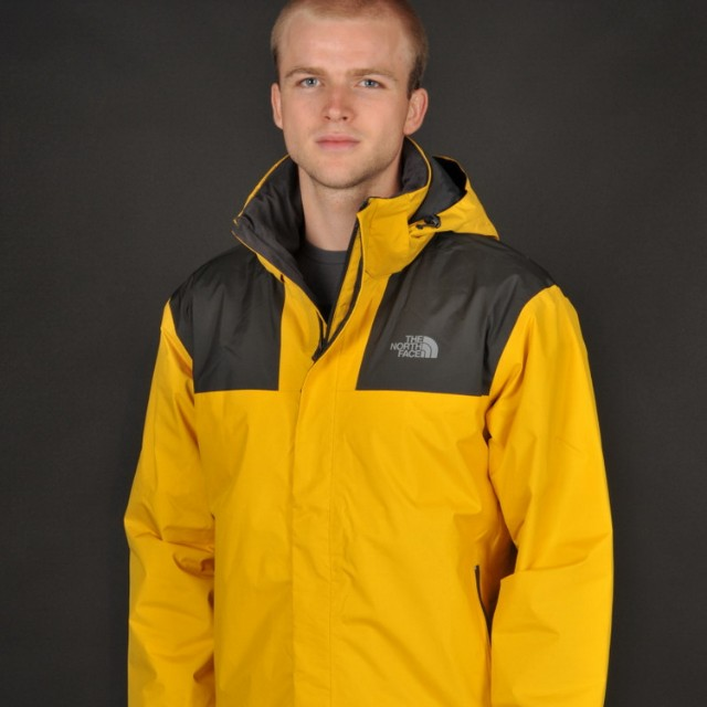 37cc40816 THE NORTH FACE MEN'S GORE-TEX MOUNTAIN LIGHT JACKET, Sports, Sports ...