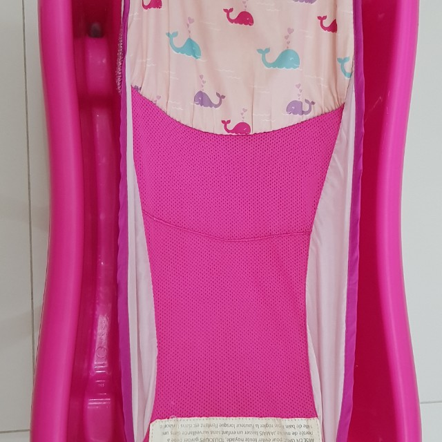 TOMY The First Years Sure Comfort Deluxe Newborn to Toddler Tub with Sling - Pink