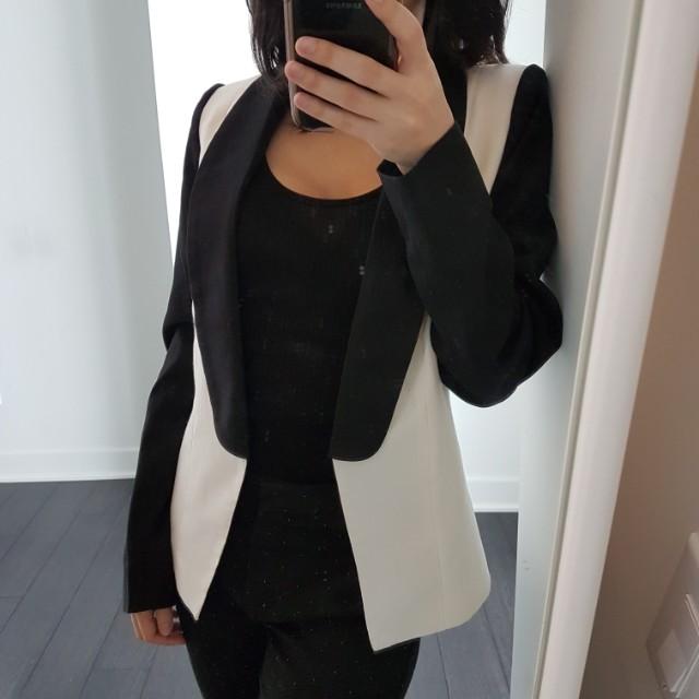Two-tone cream and black blazer, size small