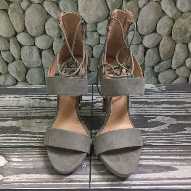Zara Grey