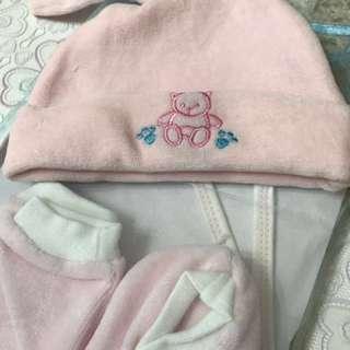 初生嬰兒禮物套裝(帽、手套、襪、口水肩)