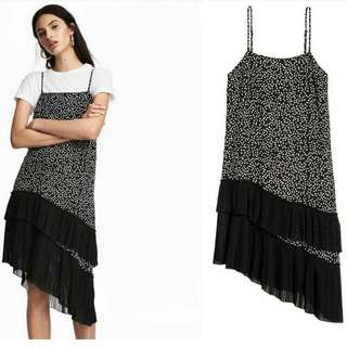 DIVIDED BY H&M SLIP DRESS PLEATED SPAGHETI STRAP PLEATS ASYMETRIC ASIMETRIS DOTTED POLCADOT POLKA POLCA