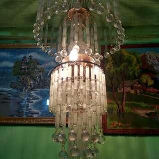 Lampu gantung kristal astot