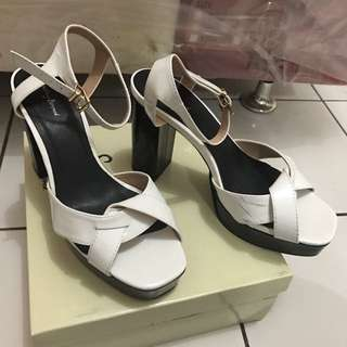 Something Borrowed Platform ukuran 40