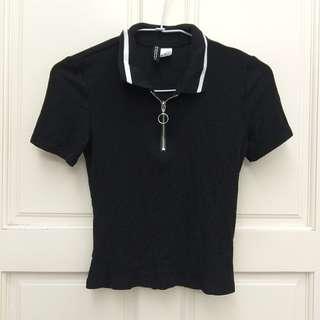 H&M 白領黑底貼身短版短袖拉鍊上衣 XS