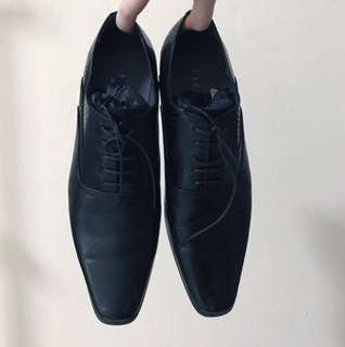 Pedro authentic formal Oxford shoes