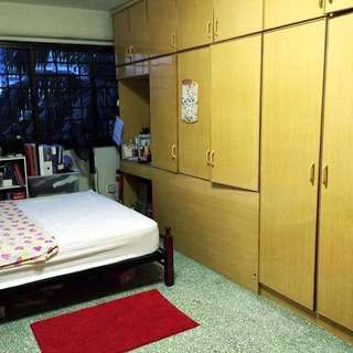 Urgent! Room For Rent at Telok Blangah