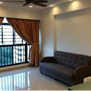 Master Bedroom in Tiong Bahru, Close to MRT and Green Line
