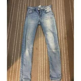 二手 H&M 牛仔褲 EUR 38 原價1680