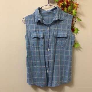 天藍色襯衫