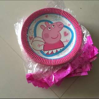 $3 for 10 pcs of peppa plates