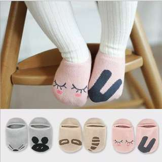 韓版防滑不對稱童襪/寶寶襪/嬰兒襪