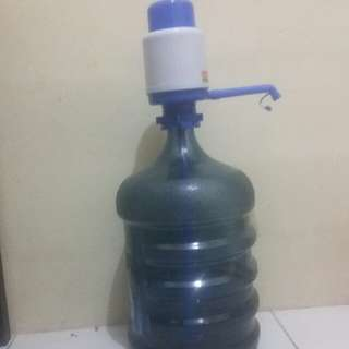 Galon air + pompa manual