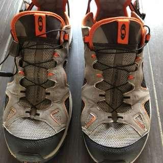 Salomon Amphibian Trail Hiking Shoe Contagrip sole