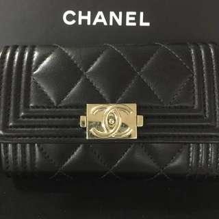 Boy Chanel Card holder (牛皮金扣)