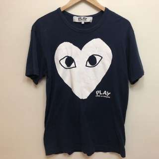 PLAY COMME des GARCONS  WHITE HEART PRINT TEE NAVY   川久保玲