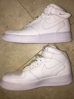 NIKE AIR FORCE 1s MIDS
