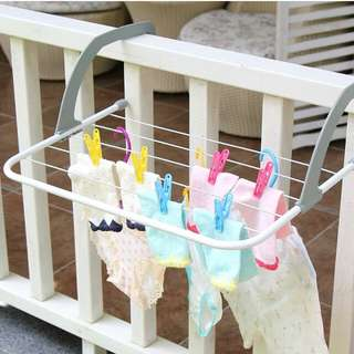 Foldable hanging rack