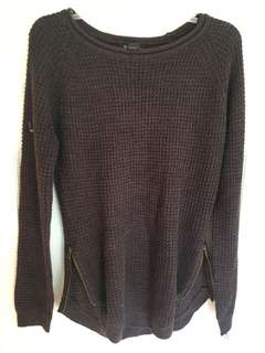 Sweater with zipper sides