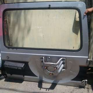 Pajero gen1 back door