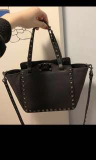 Valentino bag 真皮手袋 no dust bag Prada lv Nb miu miu chanel mk black stud